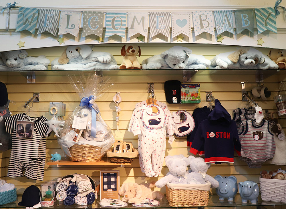 ss-03_Welcome-Baby---Baby-Boy-clothing-wall
