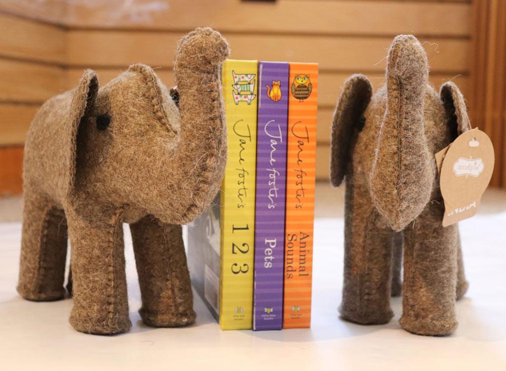 ss-books-and-elephants